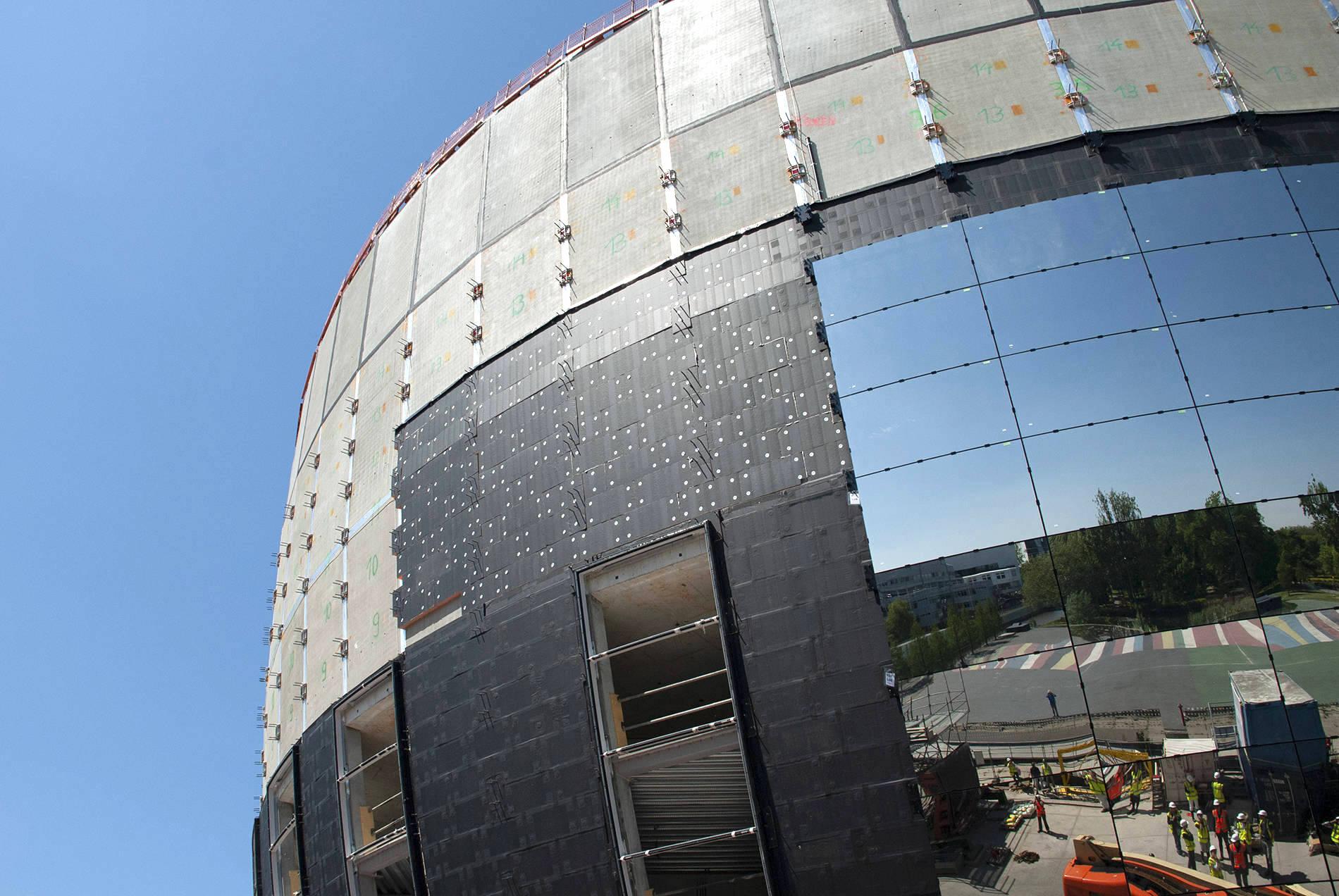 Depot Boijmans Van Beuningen. Die Grundfläche des schüsselförmigen Baukörpers hat einen Durchmesser von 40 Meter. Er verbreitert sich nach oben hin zu einem Durchmesser von 60 Meter.