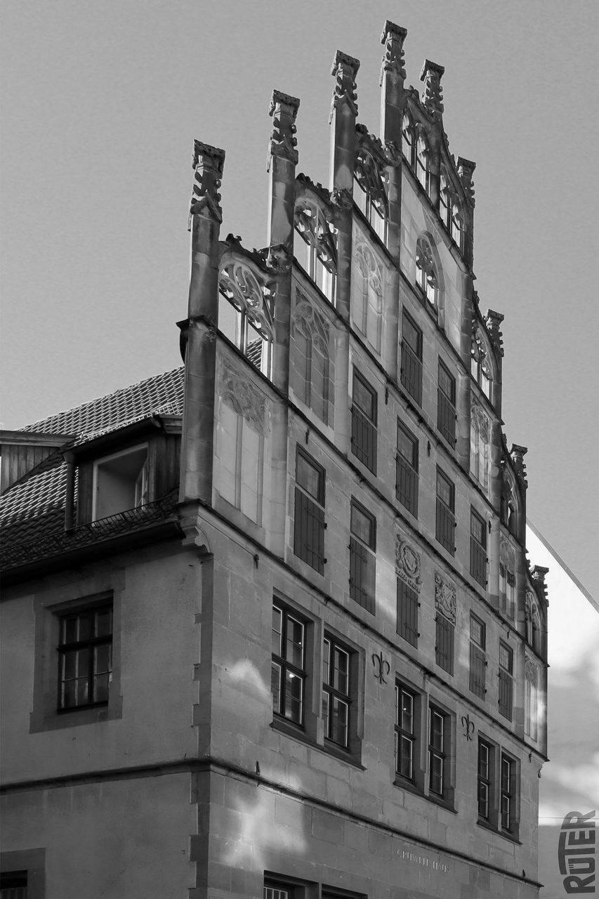 Crüwellhaus. Das Bürgerhaus im Stil der Spätgotik wurde um 1530 errichtet.