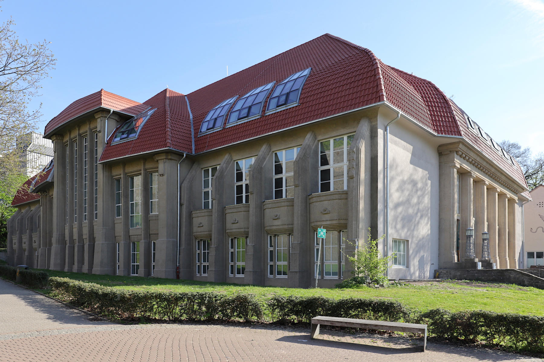 Musik- und Kunstschule. Das Haus steht für den reformerischen Geist vor dem ersten großen Krieg. Entwurf: Friedrich Schultz und 1913 fertiggestellt.