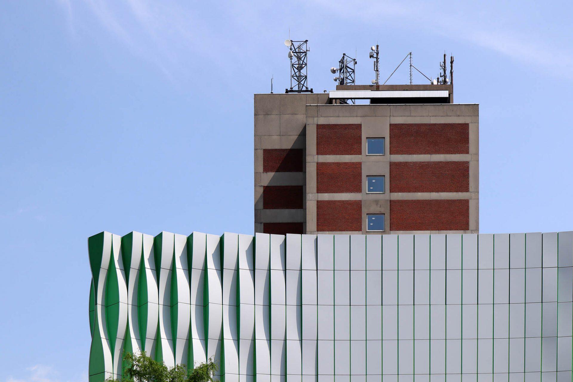 """Universitätsklinik. """"University Medical Center Groningen"""" (UMCG): eine Stadt in der Stadt mit 17.000 Angestellten und fast 1.400 Betten."""