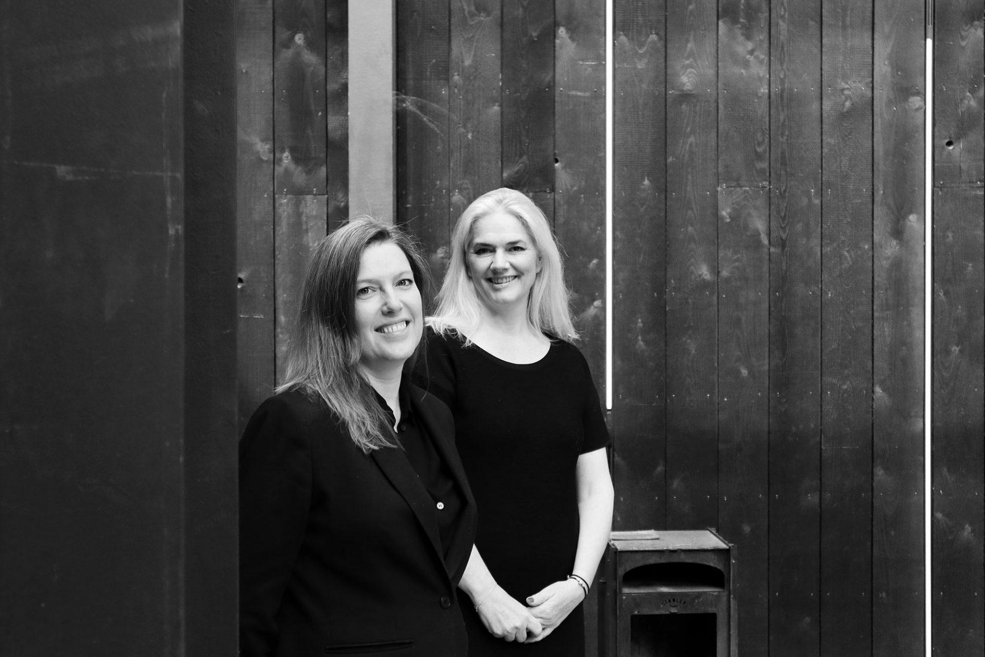 Kazerne. Die Kazerne-Mitbegründerin Annemoon Geurts (links) und ihre Mitarbeiterin Lisette van Knippenberg (re).