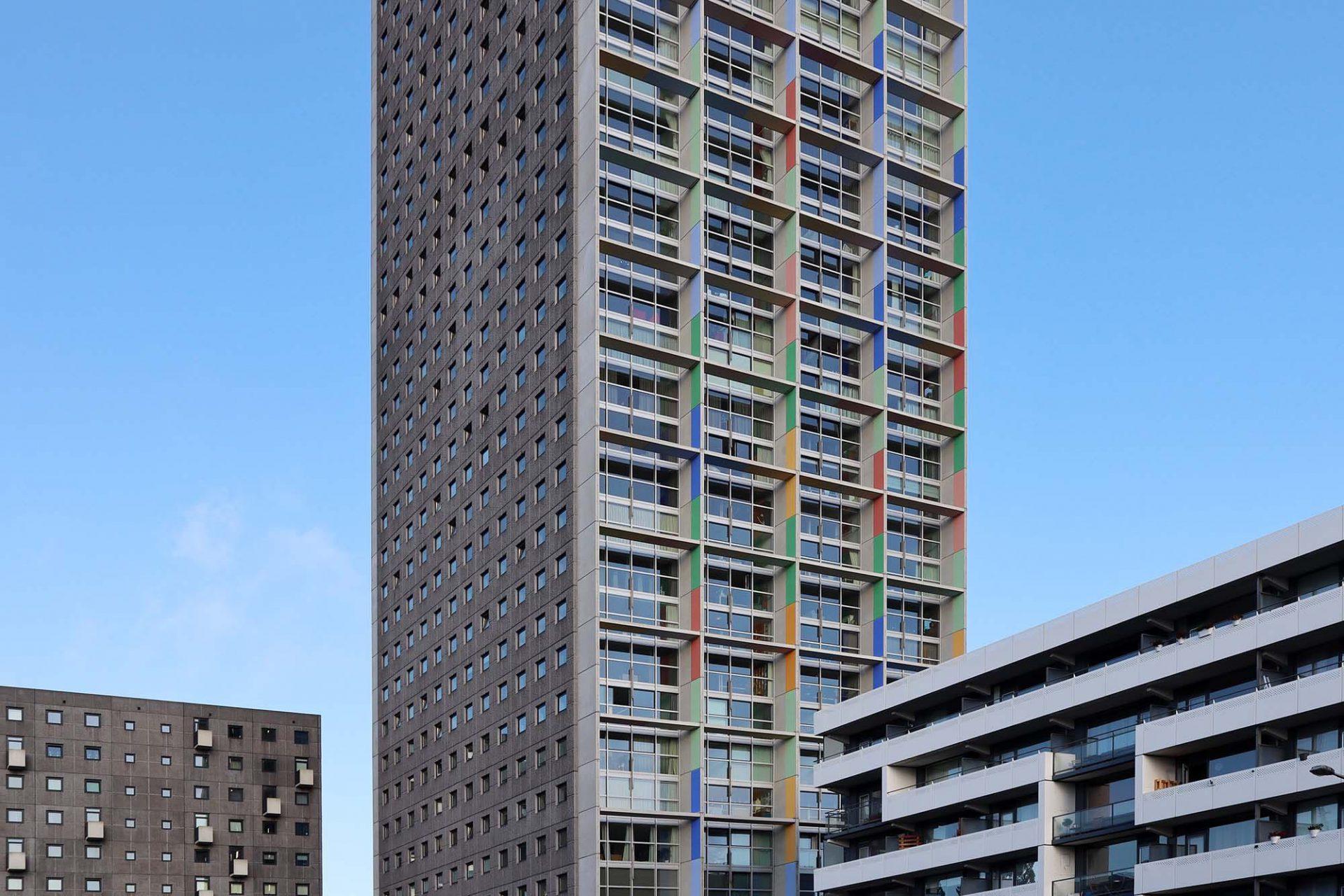 Westpoint Tower. Er ist der größte der Stadt und war bis 2010 sogar der größte des Landes.