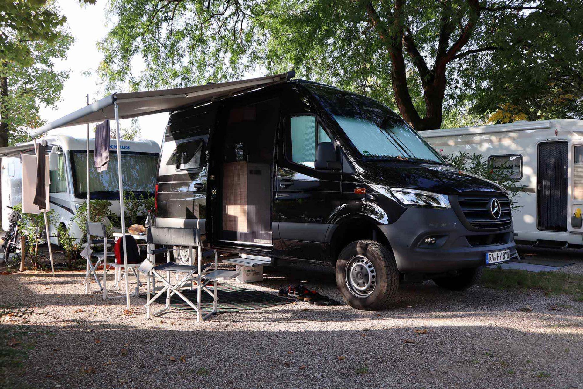 Bozen. Spätsommerlicher September in Südtirol mit dem Hymer Camper Van auf Mercedes Benz-Basis.