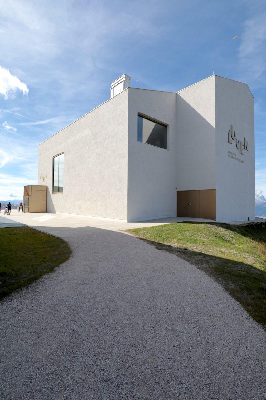 Lumen Museum der Bergfotografie. Das Ausstellungsdesign stammt von Giò Forma und der Arbeitsgemeinschaft um Beat Gugger, Martin Kofler, Richard Piock und Manfred Schweigkofler.