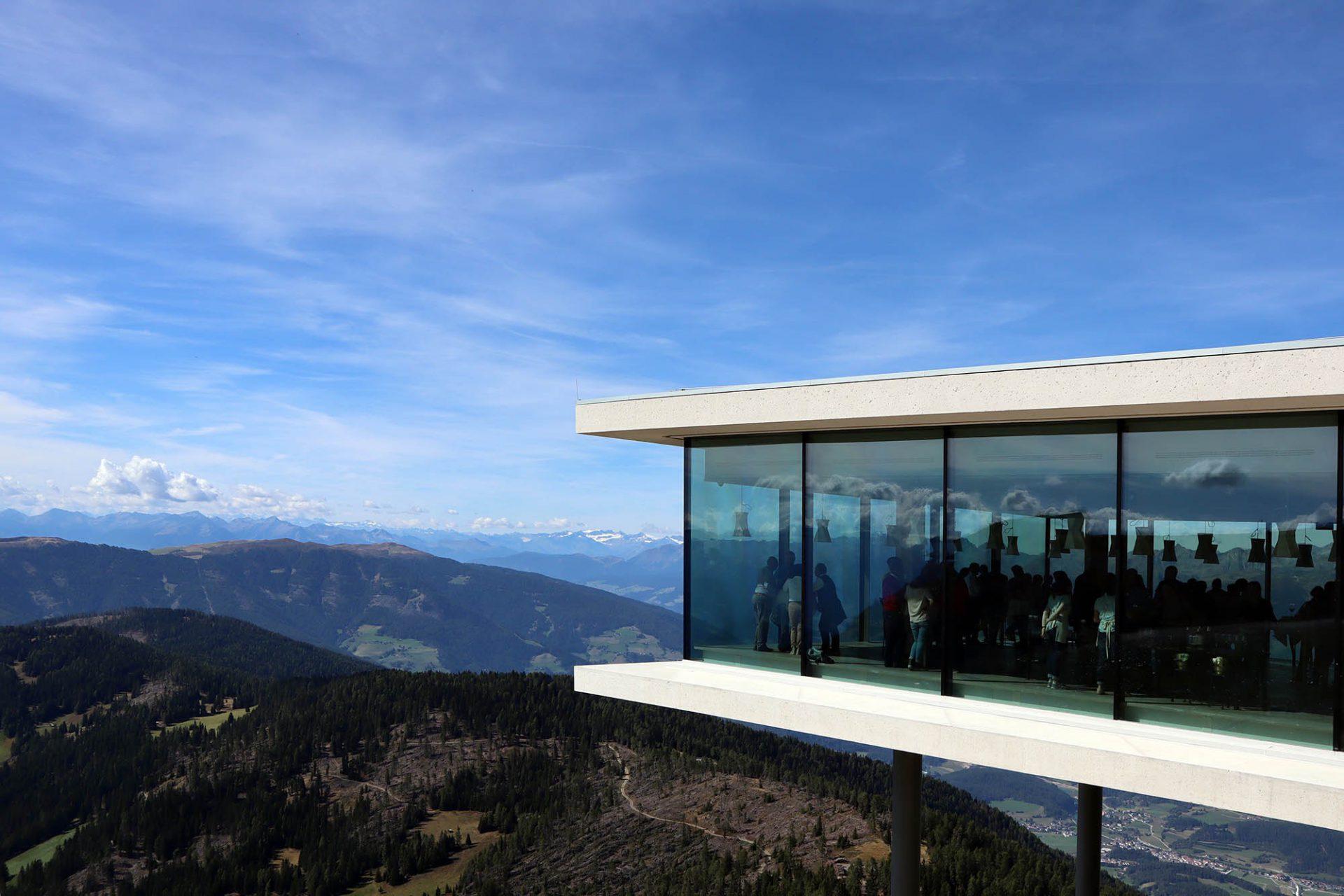 Mit Hymer zur alpinen Baukunst in Südtirol, 1