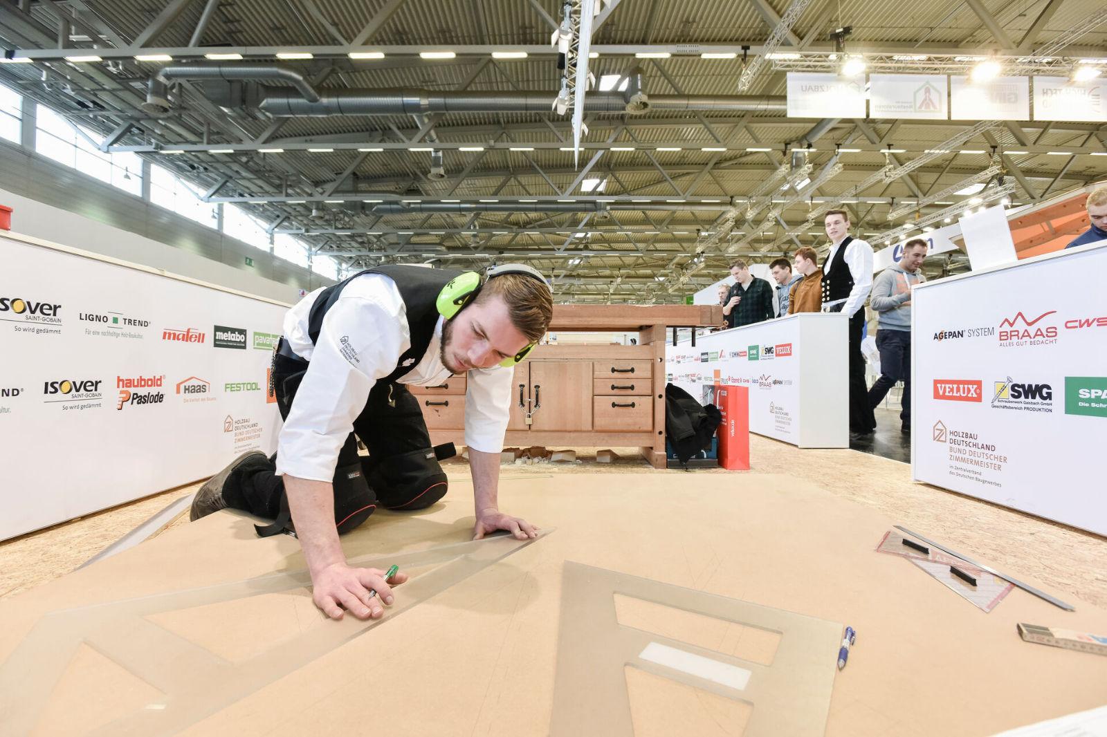 DACH+HOLZ International 2020. ist die Plattform für die nationale und internationale Dach- und Holzbaubranche und findet alle zwei Jahre abwechselnd in Köln und Stuttgart statt.