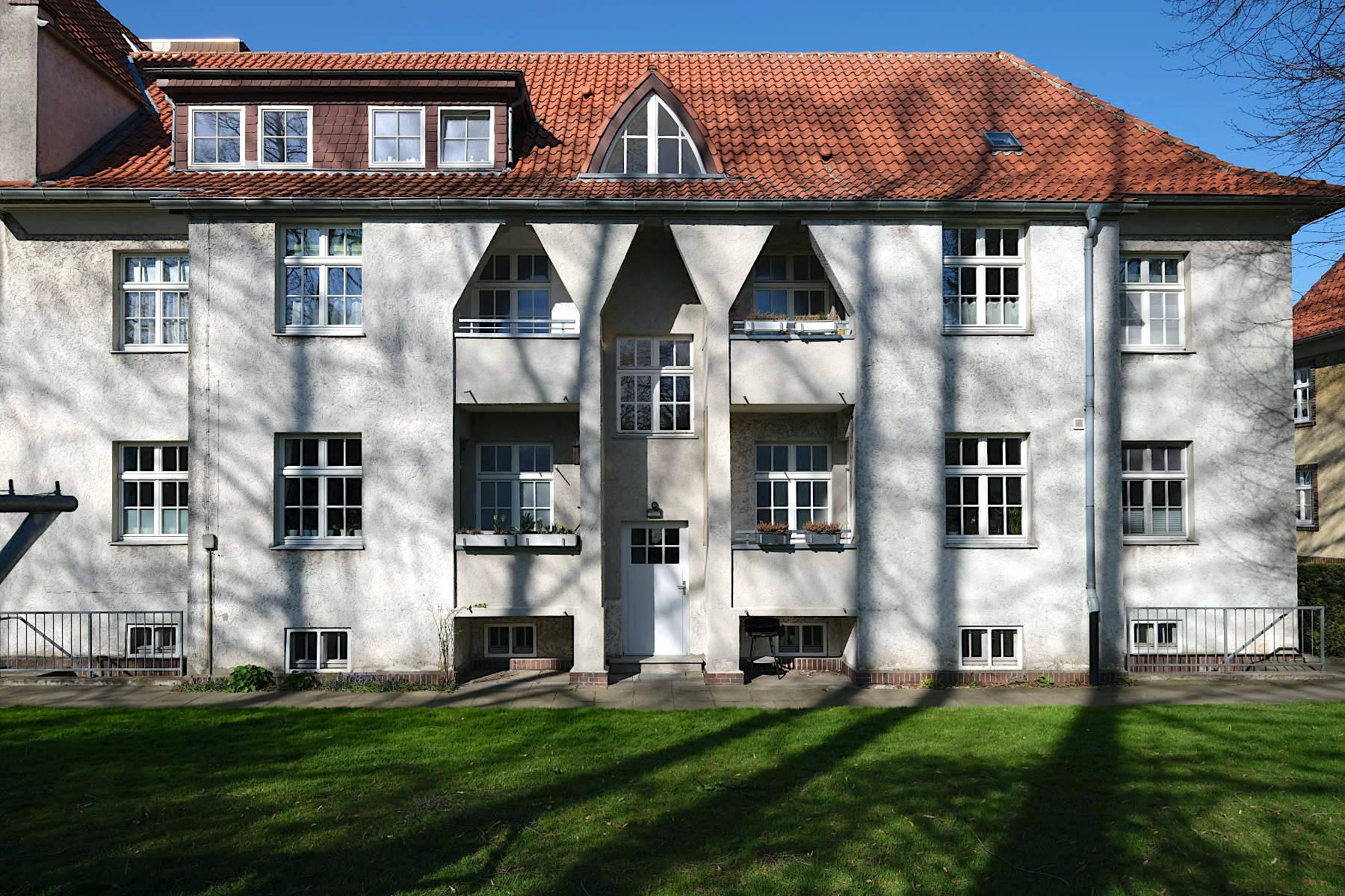 Siedlung Im Siekerfelde. Sportvereine des Bürgertums ließen keine Arbeiter in ihre Sporthallen, so dass diese ab 1911 ihre eigenen Sportstätten errichteten.