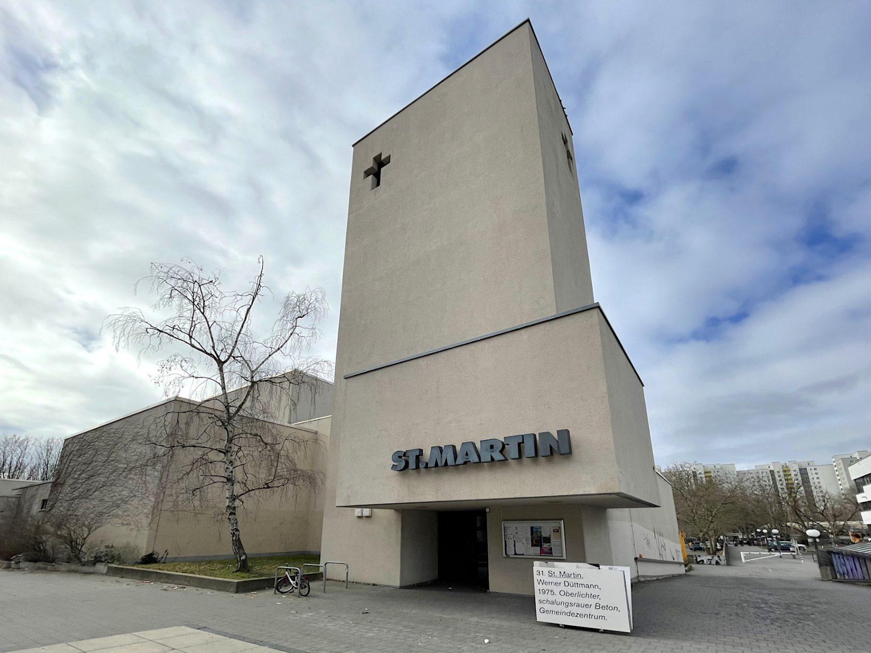St. Martin. in Berlin-Reinickendorf. Entwurf: Werner Düttmann. Fertigstellung: 1975